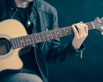 5 boas ferramentas para afinar violão online
