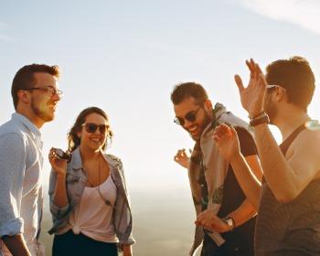 6 aplicativos para conhecer pessoas novas e fazer amizade!
