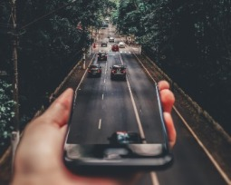 4 aplicativos de carona para viajar com conforto pagando pouco