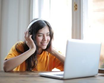Como colocar música no Discord pelo celular ou PC