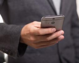 Como fazer o currículo pelo celular: salve em PDF e envie por e-mail