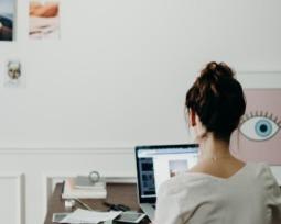 Como postar fotos e vídeos no Instagram Stories pelo PC em 2020