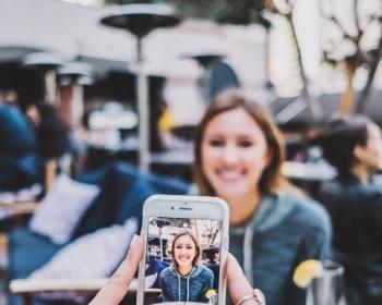 Como tirar foto 3x4 para documentos no celular