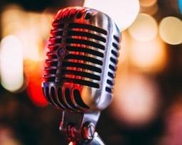 Karaokê online: 5 melhores opções para soltar a voz sem baixar nada