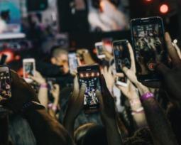 Veja como colocar letras de músicas nos Stories do Instagram