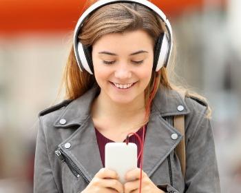 7 apps de letras de músicas para você aprender e cantar junto!