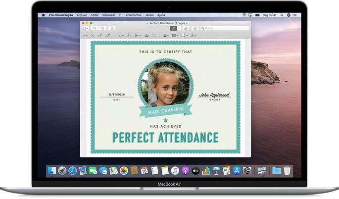 tela do app de visualização do macOS exibida em um macbook