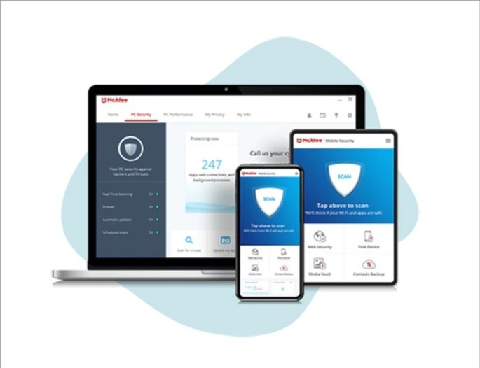 Imagem de divulgação com o McAfee Total Protection aberto no pc, tablet e celular