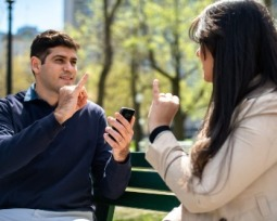 Aprenda a usar o Hand Talk, tradutor de Libras premiado pelo Google